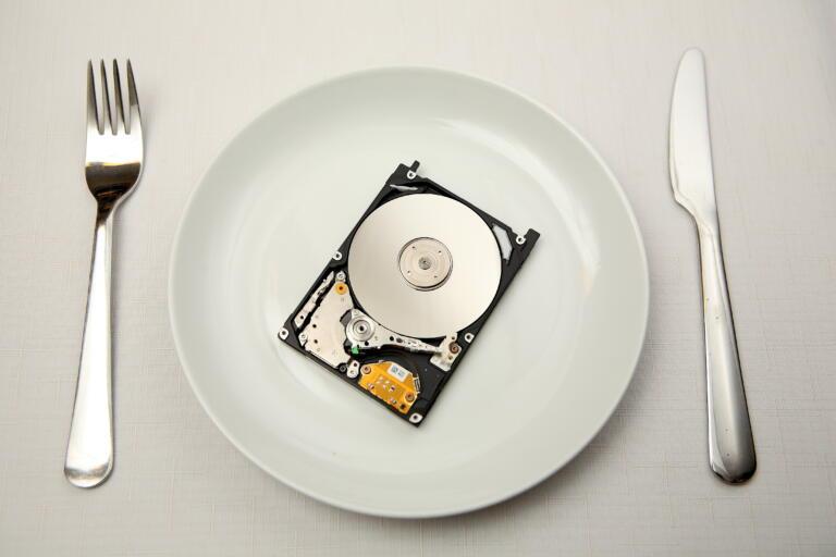 Akiatech Disk Drive Comparison